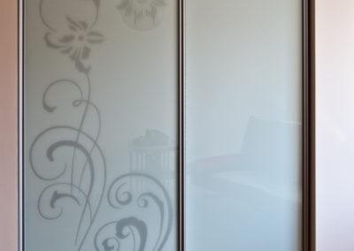 stiklas-su-grafika (8)
