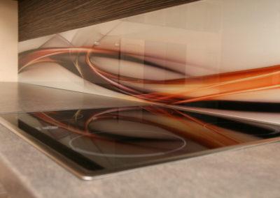 virtuve-su-stiklo-grafika-6