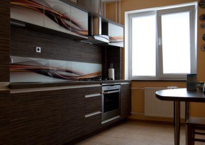 virtuve-su-stiklo-grafika-8