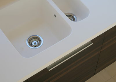 virtuves-baldai-baltas-akmuo (11)